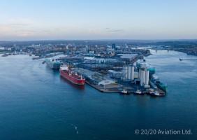 Nave Andromeda berthed at Southampton