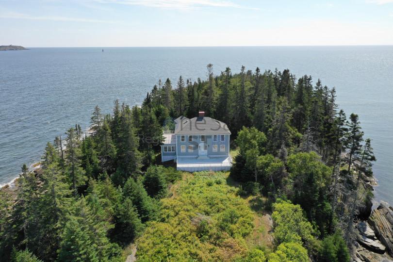 Blue island house